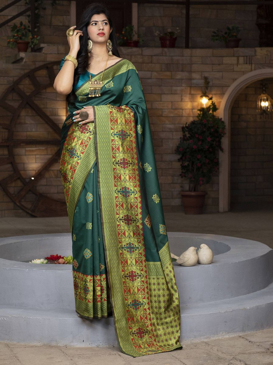 Green Heavy Bordered Banarasi Silk Wedding Wear Saree With Blouse
