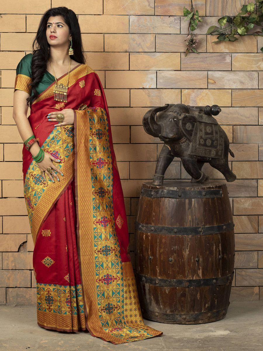 Red Heavy Bordered Banarasi Silk Wedding Wear Saree With Blouse